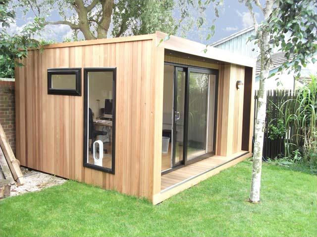 Oficinas y despachos de madera para el jard n for Como hacer caseta de madera para jardin