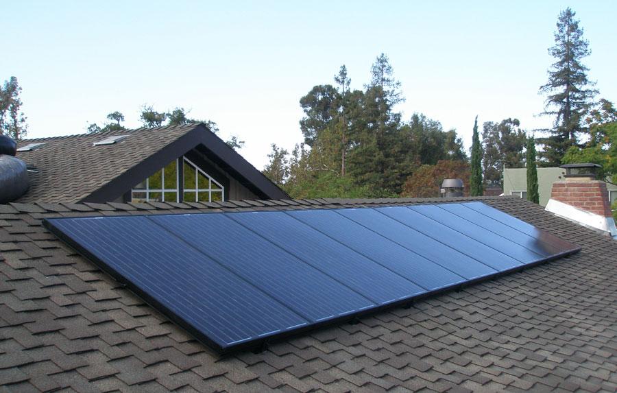 Paneles solares en cubierta de tegola canadiense
