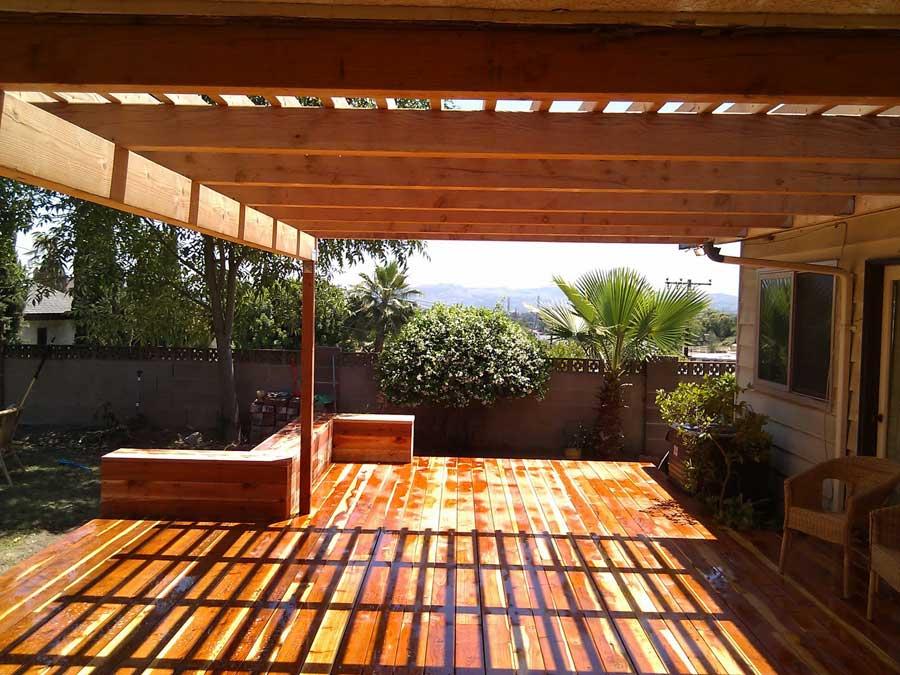 Exteriorismo y dise o de p rgolas porches cenadores y - Maderas para terrazas ...